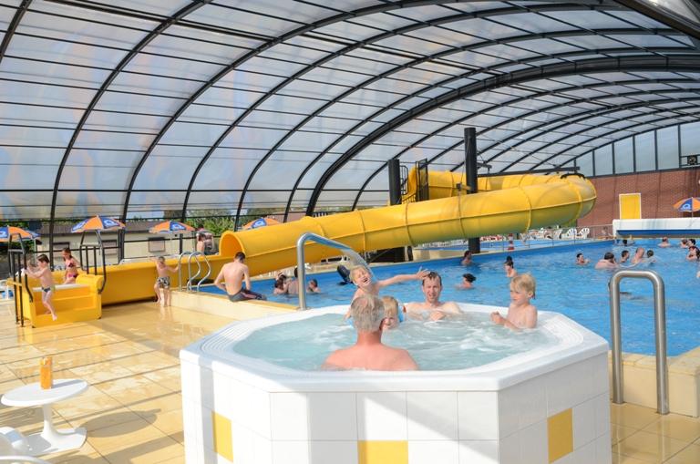 Campings met overdekt zwembad ijsselstrand doesburg gelderland - Zwembad met strand ...